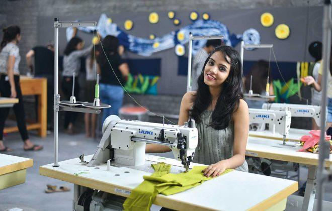 how to become fashion designer